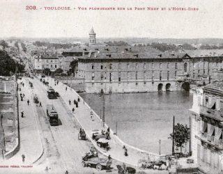 LABOUCHE_208_-_TOULOUSE_-_Vue_plongeante_sur_le_Pont-Neuf_et_l'Hotel-Dieu